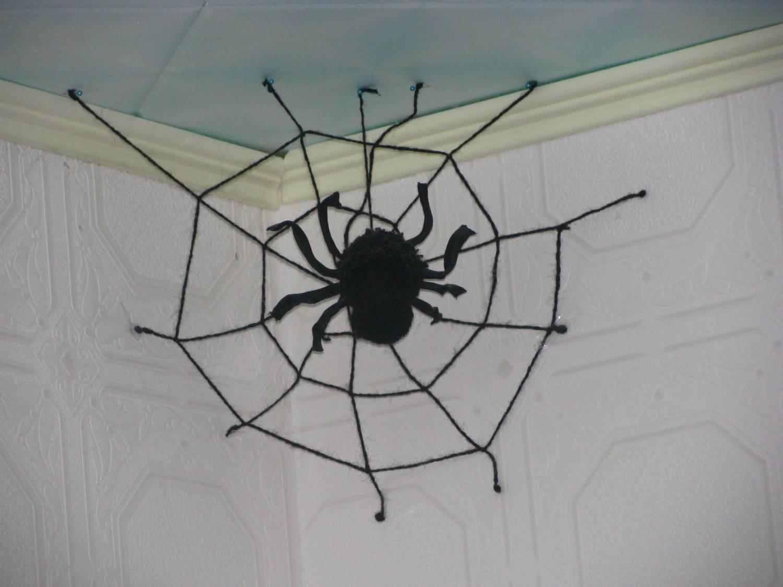 Сделать паука из ниток своими руками
